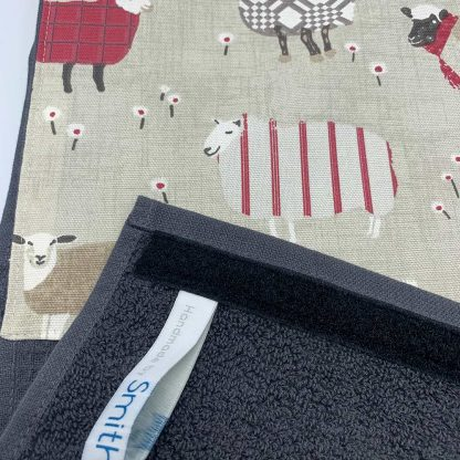 Baa Baa Sheep Roller Towel Red detail